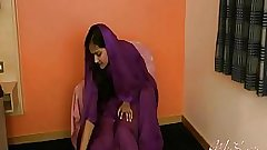 Divya Yogesh pleases herself using her Fingers